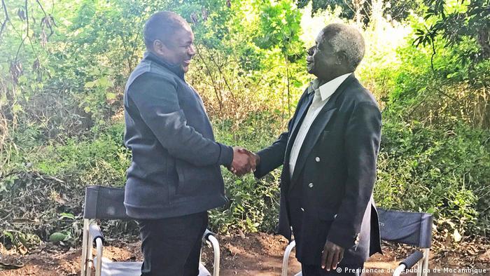 Mosambik Treffen Nyusi und Dhlakama in Gorongosa (Presidencia da Republica de Mocambique)