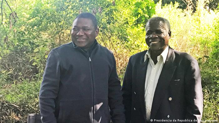 Filipe Nyusi, Presidente de Moçambique, e Afonso Dhlakama, líder da RENAMO