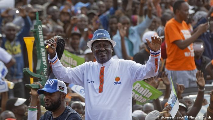 Kenya's opposition leader Raila Odinga (picture-alliance/AP Photo/B. Curtis)