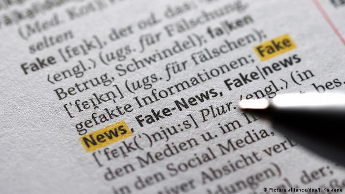 The word Fake News highlighted in a German dictionary (Picture alliance/dpa/J. Kalaene)