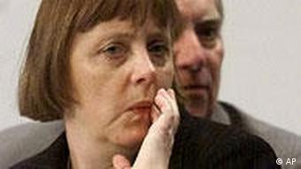 Merkel in front of Schäuble in 2000