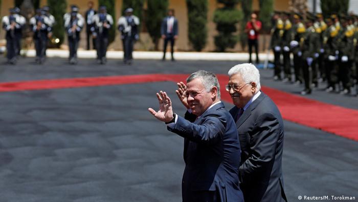 Jordan's King Abdullah II and Palestinian President Mahmoud Abbas