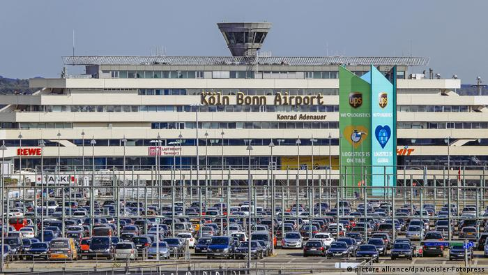 all clear after turkish airlines flight evacuated at cologne bonn airport news dw. Black Bedroom Furniture Sets. Home Design Ideas