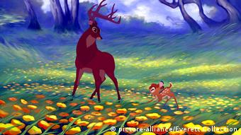 Bambi and his father in a meadow, still from Bambi II (picture-alliance/Everett Collection)
