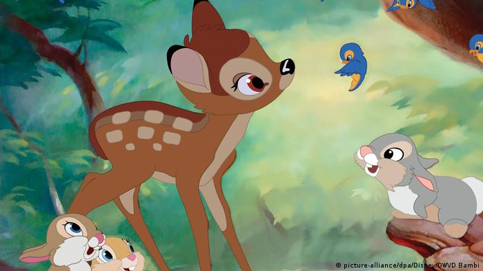 A bluebird in front of Bambi (picture-alliance/dpa/Disney/DWVD Bambi)