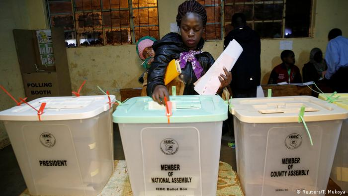 Kenia Wahlen in Nairobi (Reuters/T. Mukoya)