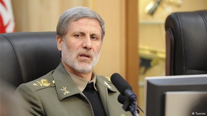 وزیر دفاع ایران با اشاره به رونمایی قریبالوقوع از یک جنگنده ایرانی گفت، اولویت این وزارتخانه قدرت موشکی است