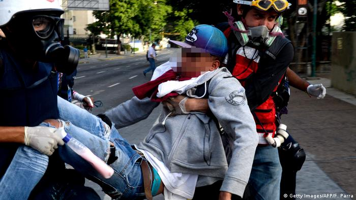 Venezuela verwundeter Demonstrant (Getty Images/AFP/F. Parra)