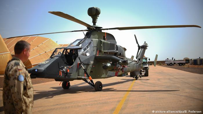 german military helicopter lost its rotor blades before crashing in