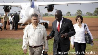 Από τη μακρινή Ουγκάντα η παρέμβαση Γκάπριελ στο ζήτημα της Β.Κορέας.