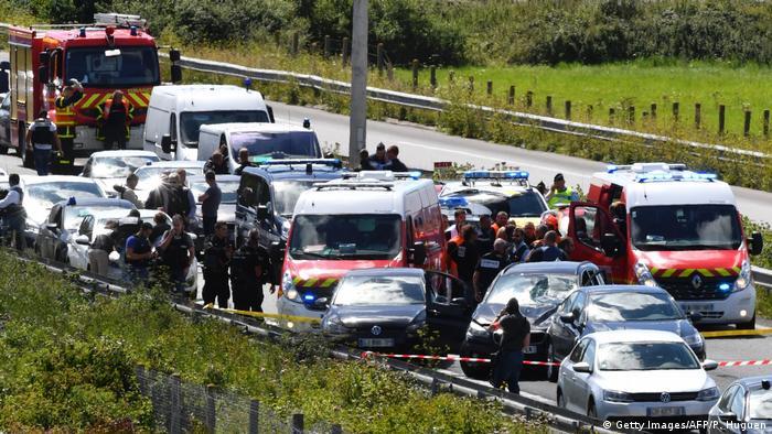 Paris Angriff auf Soldaten im Stadtteil Levallois-Perret - Festnahme auf der Autobahn (Getty Images/AFP/P. Huguen)