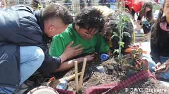 Kolumbien Aktion Opfer von Staatsgewalt (DW/C. Esguerra)