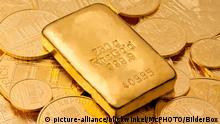 Goldbarren auf Goldmuenzen, Oesterreich | gold bullion on gold coins, Austria | Verwendung weltweit
