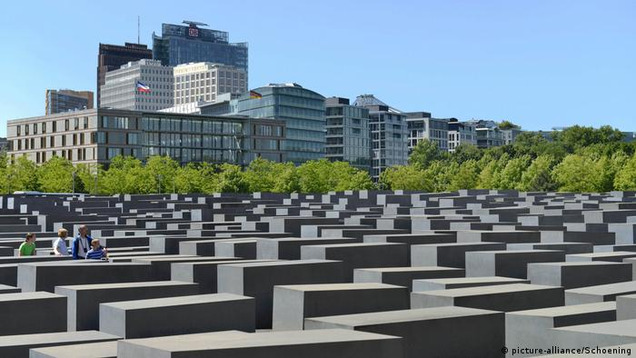 Berlin, Holocaust memorial Germany (picture-alliance/Schoening)