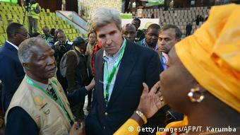 Kenia Wahlen Thabo Mbeki und John Kerry Wahlbeobachter (Getty Images/AFP/T. Karumba)