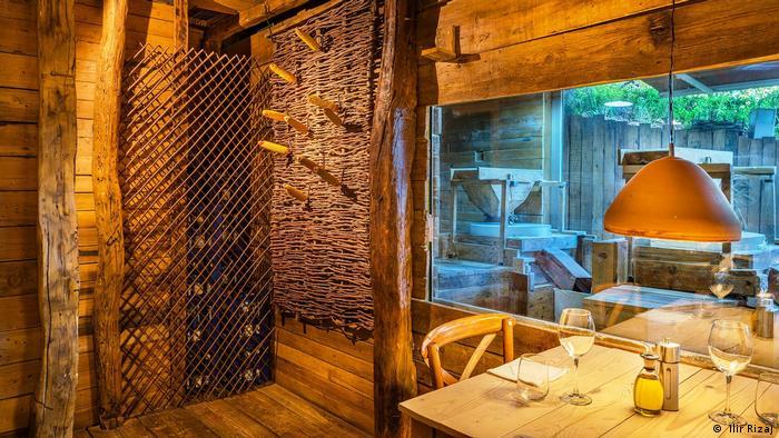 The place to be - restoran Mullixhiu u Tirani