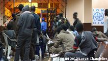 Migranten aus Guinea, die mit EU Gelder von Libyen nach Guinea freiwilig zurückgebracht werden. In Guinea bekommen die dann Unterstützung von der IOM bekommen um sich wieder zu intergrieren. Autor : Lucas Chandellier / OIM 2017