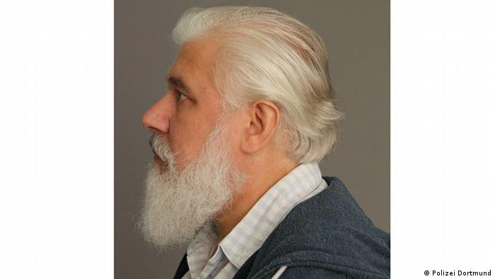 A man with a white beard and white hair, known as Herr W. who is missing his memories