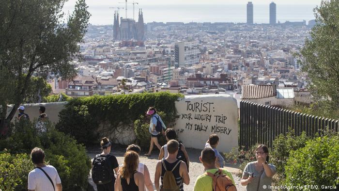 Spanien Barcelona Touristen (Imago/Agencia EFE/Q. Garcia)