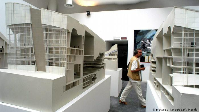 White model by Peter Eisenman at the Architecture Biennial in Venice (Photo: picture-alliance/dpa/A. Merola)