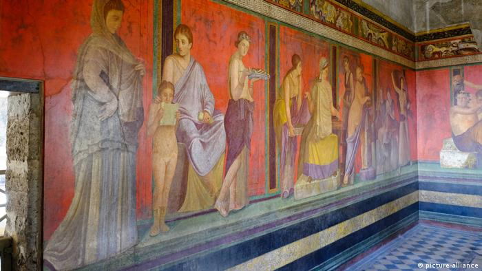 Roman frescoes in the Villa of Mysteries (picture-alliance)
