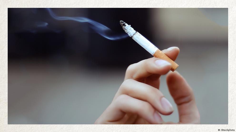 Deutschkurse | Wortschatz | WBS_Foto_rauchen