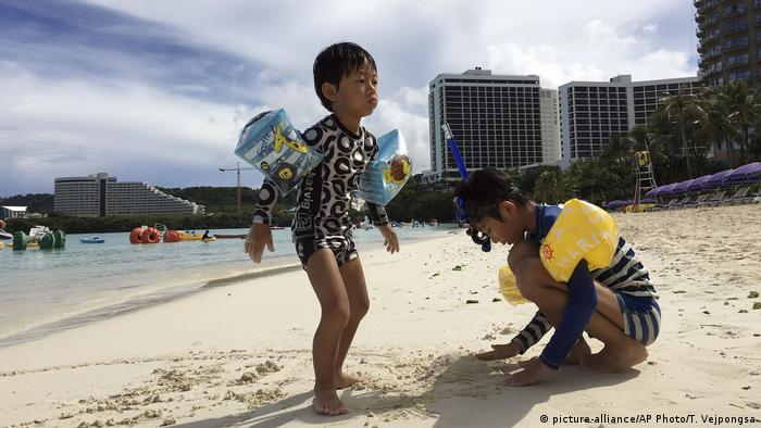 USA Insel Guam im Pazifik- Strand (picture-alliance/AP Photo/T. Vejpongsa)