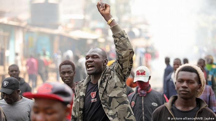 Kenyan protesters after the election (picture-alliance/AA/B. Jaybee)