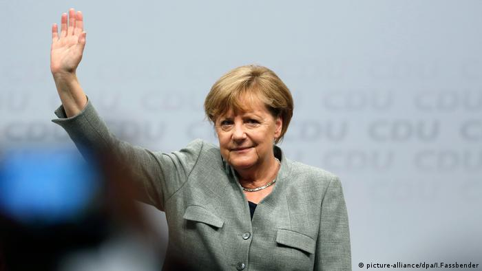 Merkel bei CDA Veranstaltung in Dortmund (picture-alliance/dpa/I.Fassbender)