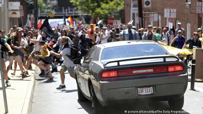 Marcha neonazista nos EUA fez vítimas entre opositores