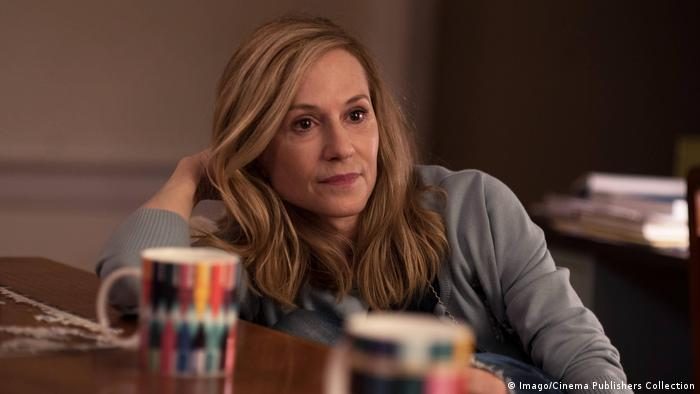 Film Holly Hunter as Beth in THE BIG SICK Photo by Nicole Rivelli 2017 Lionsgate The Big Sick 2017 (Imago/Cinema Publishers Collection)