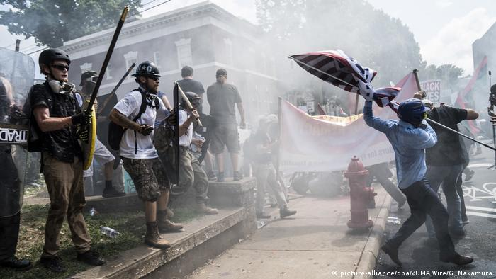 USA Virginia Charlottesville - Ausschreitungen nach Demonstrationen (picture-alliance/dpa/ZUMA Wire/G. Nakamura)