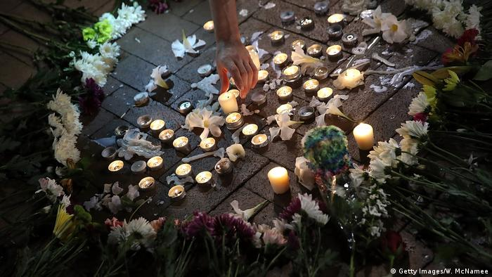 Candle memorial set up after violence (Getty Images/W. McNamee)