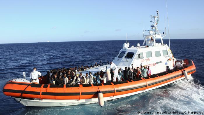 Біженці, врятовані гуманітраною організацією Sea-Eye