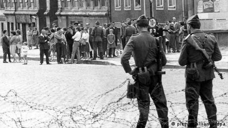 Berlin Mauerbau 1961 (picture-alliance/dpa)