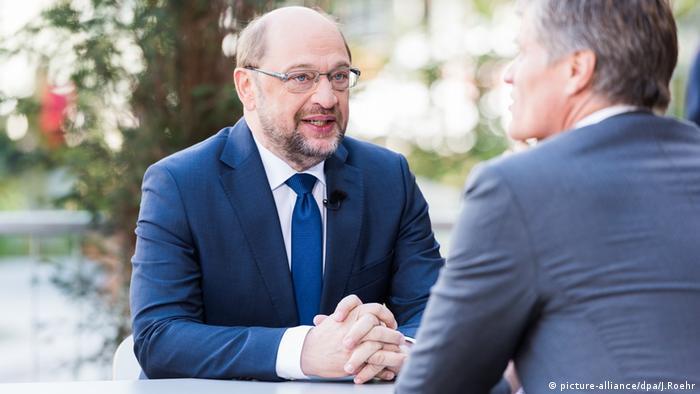 Schulz im Sommerinterview der ZDF-Sendung «Berlin direkt» (picture-alliance/dpa/J.Roehr)
