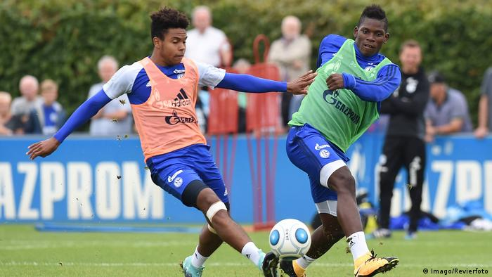 Fußball 1 Bundesliga Weston McKennie (L) Training FC Schalke (Imago/Revierfoto)