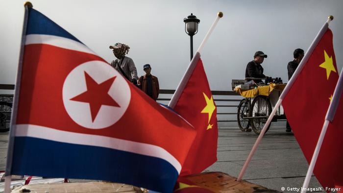 Un ciudadano estadounidense logró en 2015 cruzar en secreto desde China hasta llegar a Corea del Norte, donde permaneció retenido nueve semanas. Fue interrogado antes de ser devuelto a China, reveló la web NK News. (26.12.2019).