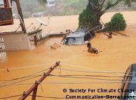 Потоки бруду ринули на столицю Сьєрра-Леоне після зсуву частини пагорба