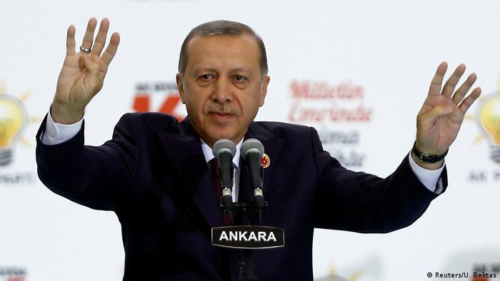 Türkei Erdogans AKP feiert 16-jähriges Bestehen in Ankara