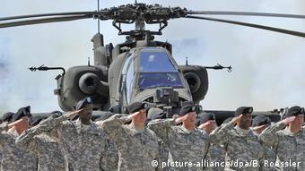 Deutschland US-Soldaten auf dem US-Army-Airfield in Erbenheim bei Wiesbaden