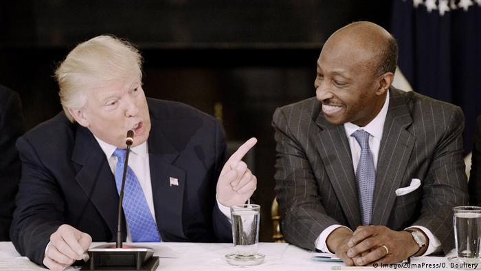 Бізнесмени-радники Дональда Трампа полишають його дорадчий орган