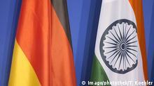 Flagge von Deutschland und Indien. Berlin Deutschland PUBLICATIONxINxGERxSUIxAUTxONLY Copyright: xThomasxKoehlerx Flag from Germany and India Berlin Germany PUBLICATIONxINxGERxSUIxAUTxONLY Copyright xThomasxKoehlerx