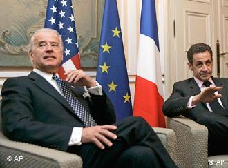 Вице-президент США Джо Байден и президент Франции Николя Саркози