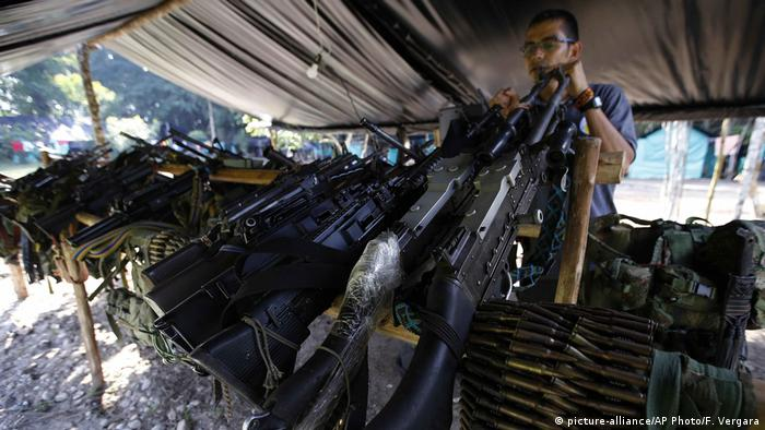 Some of the weapons handed over by FARC