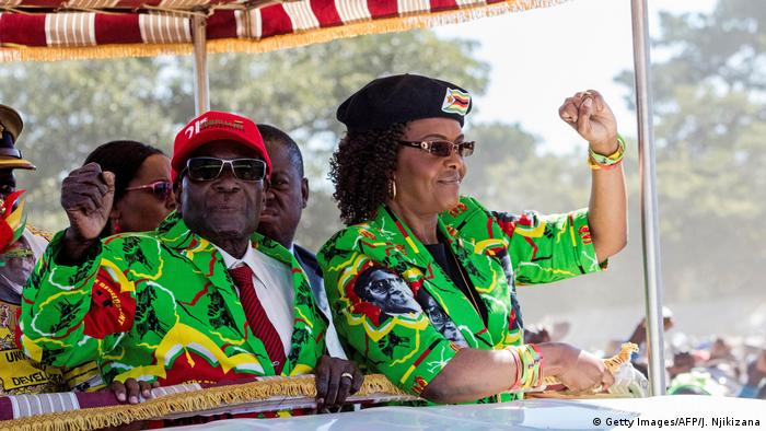 Robert and Grace Mugabe at a youth rally (Getty Images/AFP/J. Njikizana)