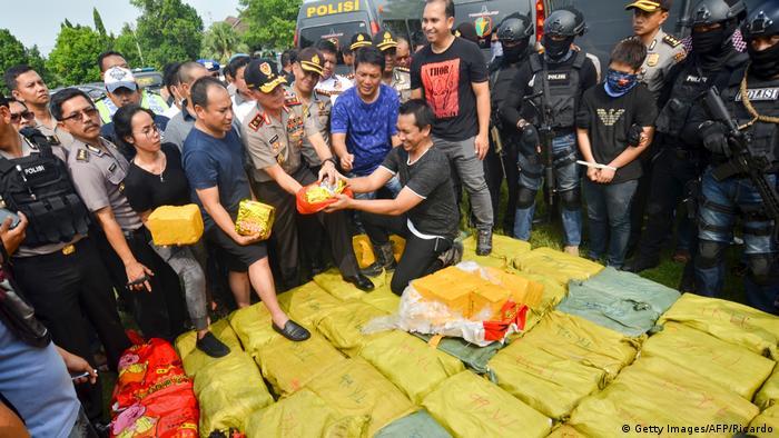 Indonesien Beschlagnahmte Drogen nach einer Razzia