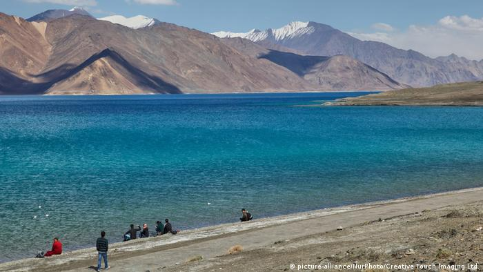 Indien Pangong See in Ladakh (picture-alliance/NurPhoto/Creative Touch Imaging Ltd.)