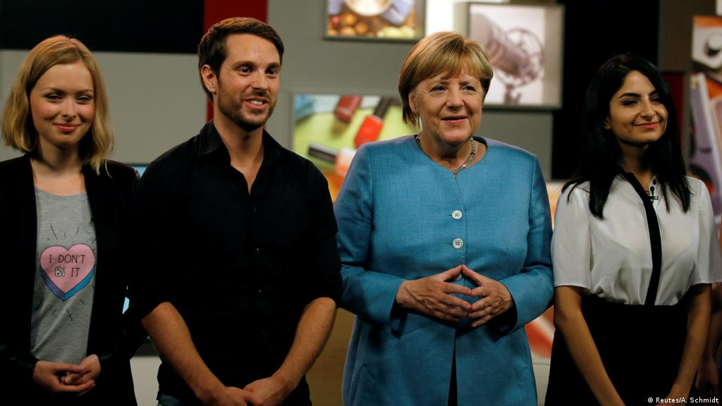 Angela Merkel Takes To Youtube To Woo Young Voters Germany News And In Depth Reporting From Berlin And Beyond Dw 16 08 2017