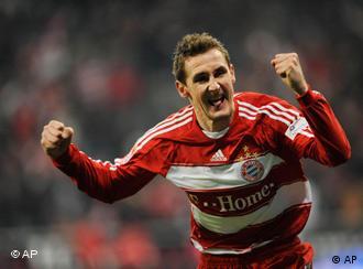 Klose comemora gol: artilheiro entrou apenas no final do segundo tempo
